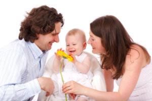 Rodina s miminkem