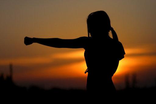 Karate při západu slunce